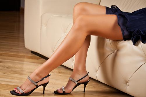 Telefonsex für High Heel Liebhaber – Willst du sie anfassen? Jetzt anrufen: 09005 – 662 663 20